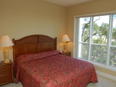 2nd Bedroom (Queen Bed - Direct Oceanfront View)