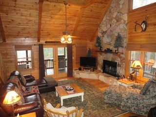 Blue Ridge cabin photo - Comfortable Furnishings - Flat Screen TV