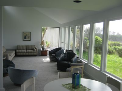 Coos Bay house rental - Living room/dining area