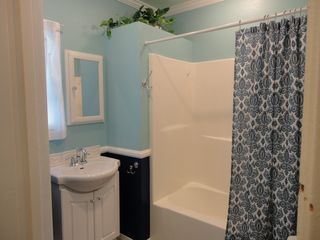 Anaheim cottage photo - Hand soap, Shampoo & Rinse, Hair Dryer,Bath and Hand Towels provided.