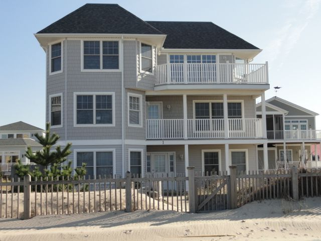 Lewes vacation rental vrbo 447347 6 br de house beach for Multi family beach house rentals