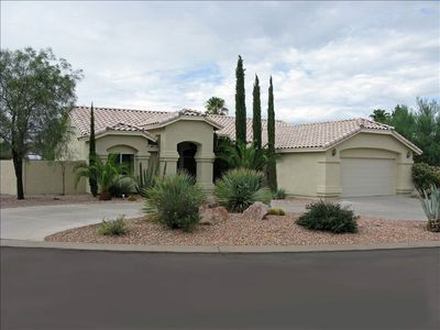 Spacious Private House - Drive Through Driveway - Large 2 Car Garage - Gated RV