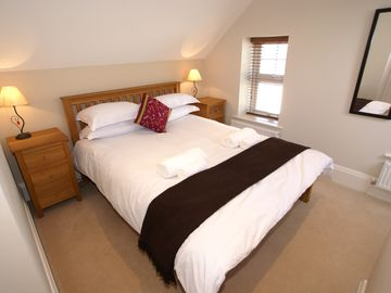 2nd bedroom with king sized bed - ensuite