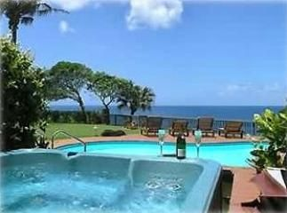 Princeville house rental - Jacuzzi nestled into a rock garden