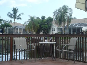 Villa White Ibis - seating at the dock