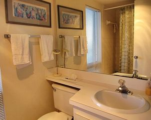 Sanibel Island condo photo - Updated bathrooms
