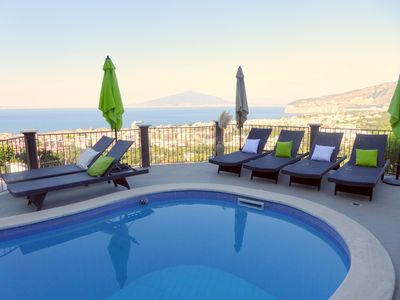Apartment With Breathtaking Views Of Mt Vesuvio & The Bay Of Naples.