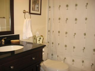 Indian Harbour Beach condo photo - Guest bath with tub and shower