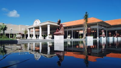 GRAN MELIA HOTEL MAIN ENTRANCE