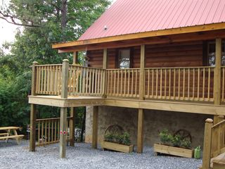 Gatlinburg cabin photo - Partial Front View
