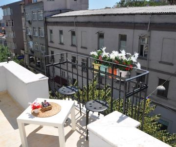 1 + 1 Apartment in Cihangir with ISO 9001 Quality Certification