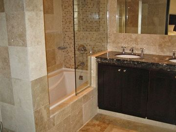 2 beautiful en-suite bathrooms plus guest WC