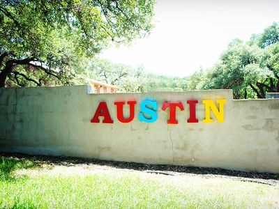 Front yard where you can capture your best ATX photo.