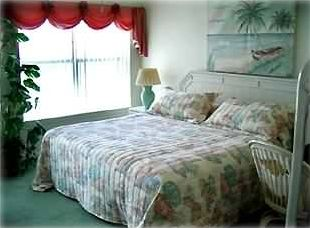 Master bedroom - wake up to the sounds of the gulf each morning.