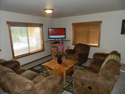 2nd Living Room, Hot Tub on Patio, Cle Elum Suncadia area cabin rental by owner