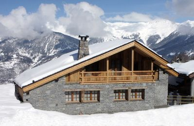 Luxury Catered  Chalet In  Courchevel 1650 Two Minute Walk From Lifts