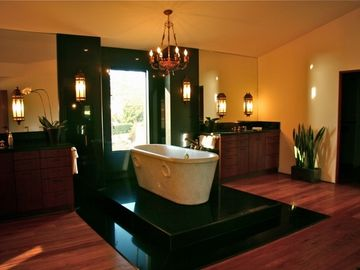Large Master Bath fit for a Queen!