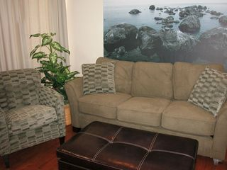 Mission Beach condo photo - Queen sized sleeper sofa