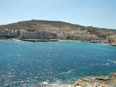 Sea View Apartment, Spectacular views of the Bay. Sleeps 6. Air Conditioned.