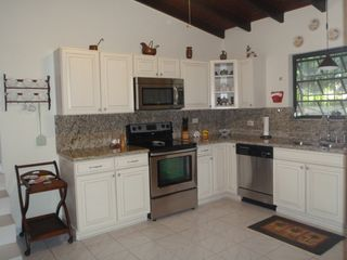 Bonaire house photo - Enjoy all the conveniences of home in the modern kitchen