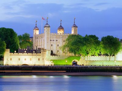 The Tower of London is within close walking distance of the apartment