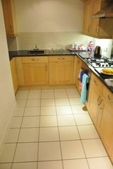 Canary Wharf & Docklands apartment photo - Fully-fitted kitchen