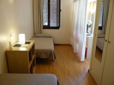 Barrio Gotico apartment rental - Double bed and single bed