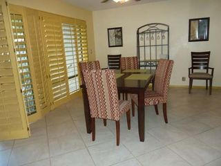 Palm Springs condo photo - Dining room (table seats six)