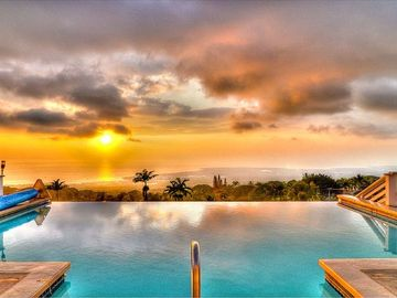 Another Fabulous Kona Sunset over the Infinity Edge Pool - beyond words!