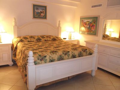 New 2014 KING SIZE WHITE BEDROOM SET, SHUTTER  COTTAGE STYLE WITH PILLOW TOP MATTRESS