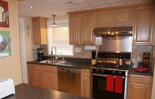 Lancaster townhome photo - Fully Equipped Kitchen