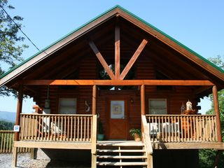 Pigeon Forge cabin photo - A true log cabin with beautiful timbers all through the frist floor.