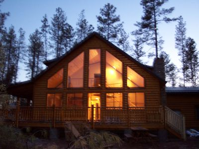 Payson cabin rental - Cabin at night