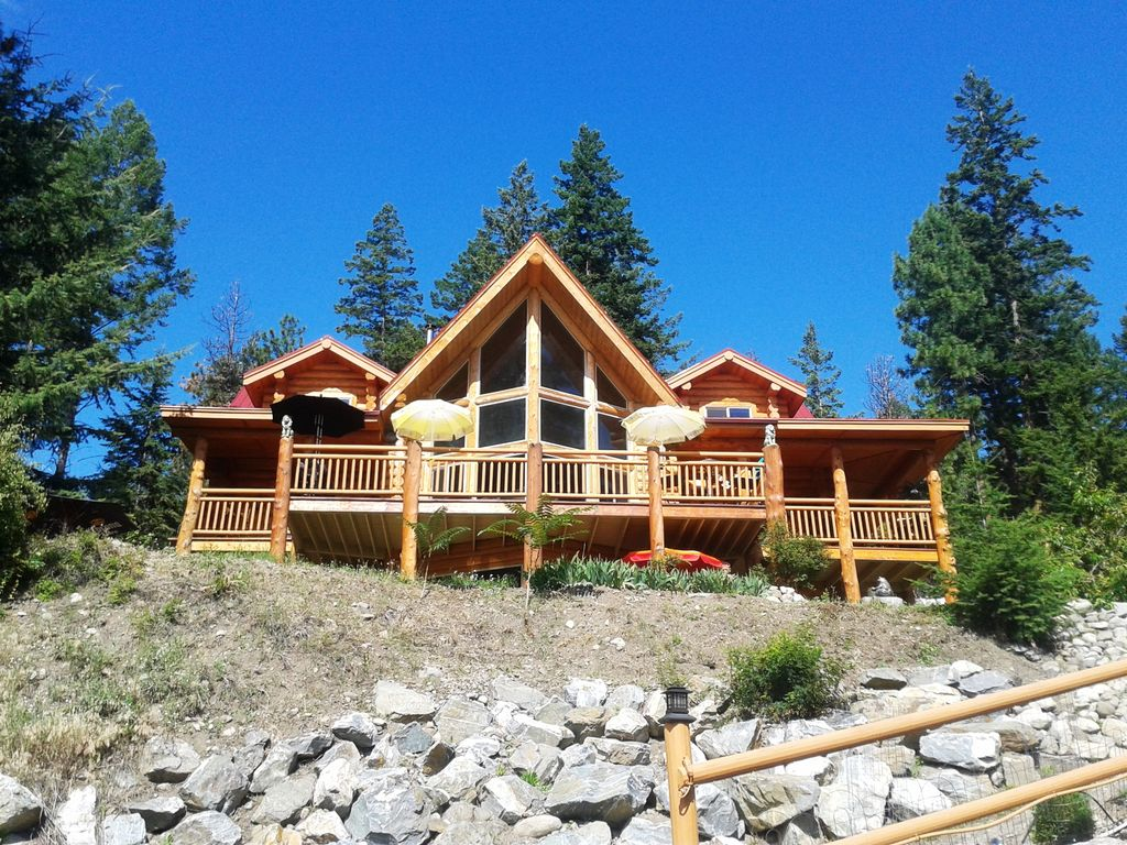 Grand Authentic Log Home With 25 39 High Homeaway