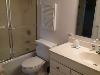 Vanderbilt Beach condo photo - Full Bathroom