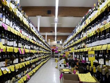 Pete's Market- Amazing beer and wine selection will blow you away! (5 min walk