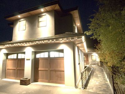 Bend house rental - Front at night