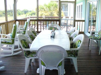 Isle of Palms house rental - dining on the 2nd floor deck