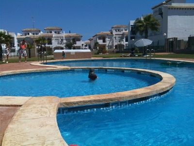 FREE WIFI/Internet, satellite tv, sun roof, family, BBQ, sea view, self-catering