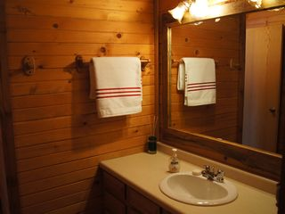 Wisconsin Dells cabin photo - lower level full bath
