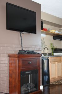 Burke condo rental - 40 Inch flat screen TV, DVD player, and heater
