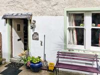 SARAH'S COTTAGE, character holiday cottage in Gardenstown, Ref 28793