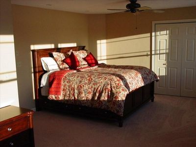 Master Suite w/ King Size Bed and Lake Views
