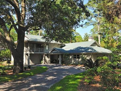 Sea Pines house rental - Big, circular drive accomodates 3 cars; no steps from drive to house!