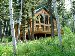 Need help finding holiday rentals live the destination for Cabins near yellowstone west entrance