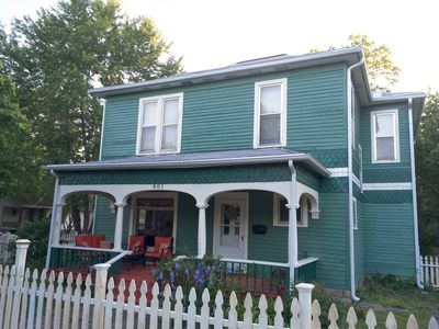 The Green House-located Minutes From Downtown Emporia And ESU