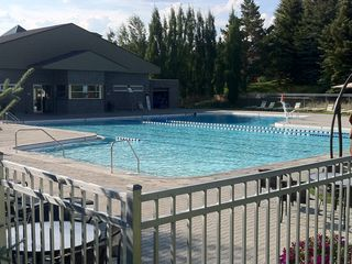 Elkhorn pool and hot tub- a short 3 to 4 minute walk from our condo