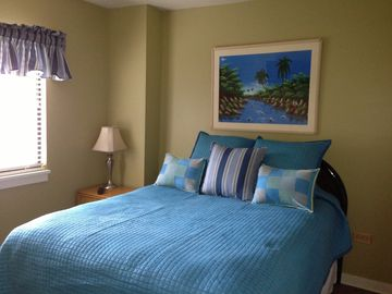 Guest Bedroom with Queen bed and Hall Bath