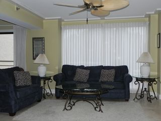 Palmetto Dunes condo photo - Queen sleeper sofa and twin sleeper sofa are featured in the greatroom.