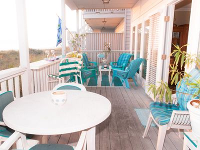 Full view of entire deck overlooking beach and gulf.